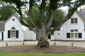 Begraafplaats Beekbergen: de hoofdingang