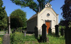 Schijndodenhuisje op de begraafplaats